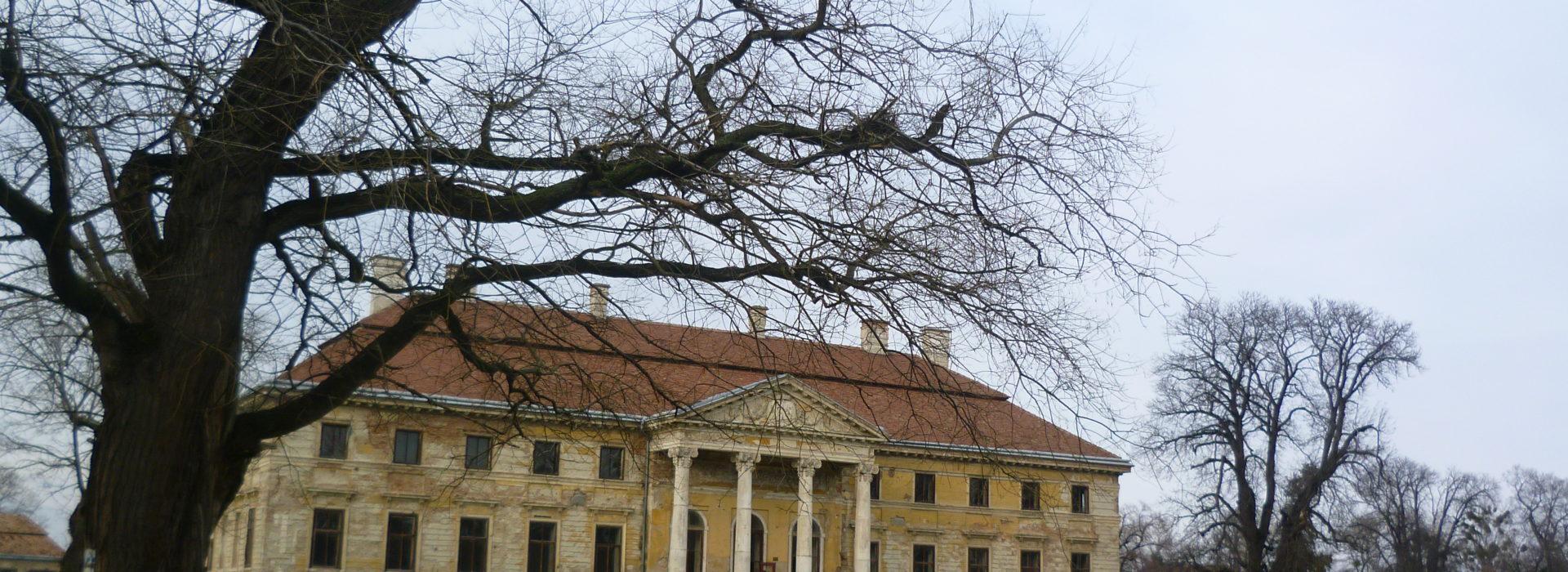 Lovasberényi Cziráky-kastély